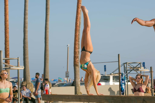 On-the-balance-beam-at-Muscle-Beach.jpg - On the balance beam at Muscle Beach in the Venice Beach neighborhood of LA.