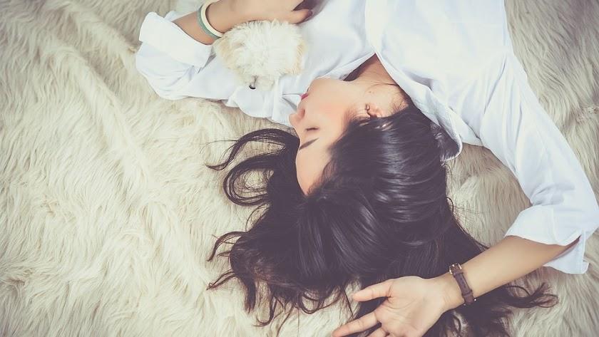 La mayoría de las personas necesitan dormir entre 7 y 8 horas para sentirse bien.