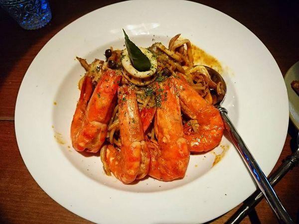 夜色迷離、酒與美食的饗宴~Inn Bistro
