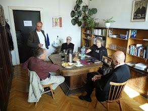 Photo: V kanceláři prof. Jiřího Voráče.