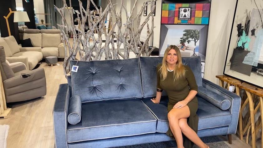 Susana Ruiz Collado en la nueva tienda de Gregorio Marañón, 24 en Almería.