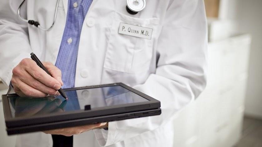 Los médicos atenderán consultas relacionadas con sus especialidades.