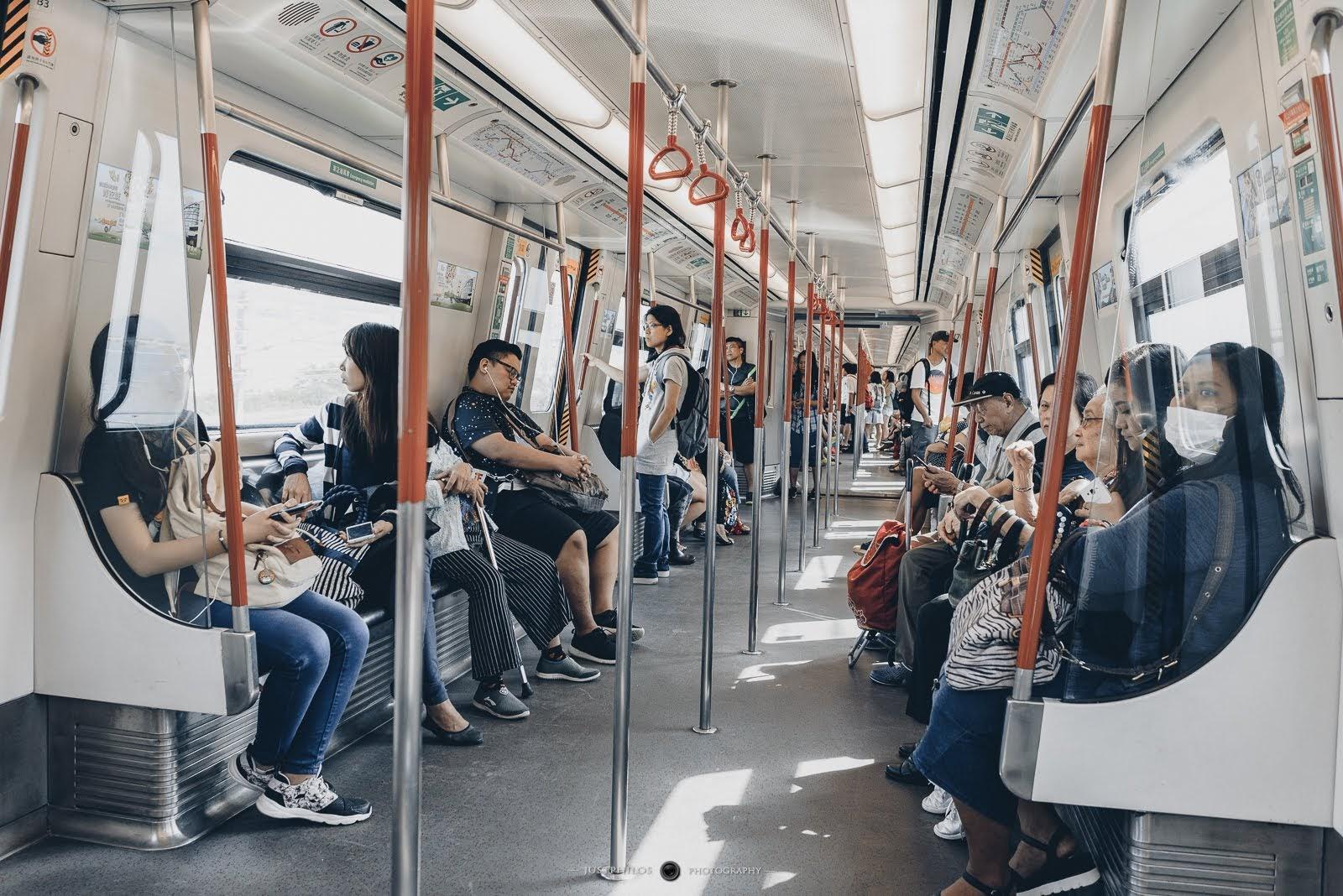 一早從香港出發,搭乘港鐵東涌線是前往東涌最快和直接的方式。