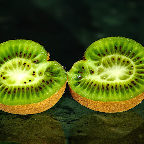 Twins by Darius Apanavicius - Food & Drink Fruits & Vegetables ( abstract, pattern, green, kiwi, fruits, seeds, , Food & Beverage, meal, Eat & Drink )