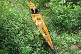 Photo: tôi thấy kayak vàng trên cỏ xanh :-)