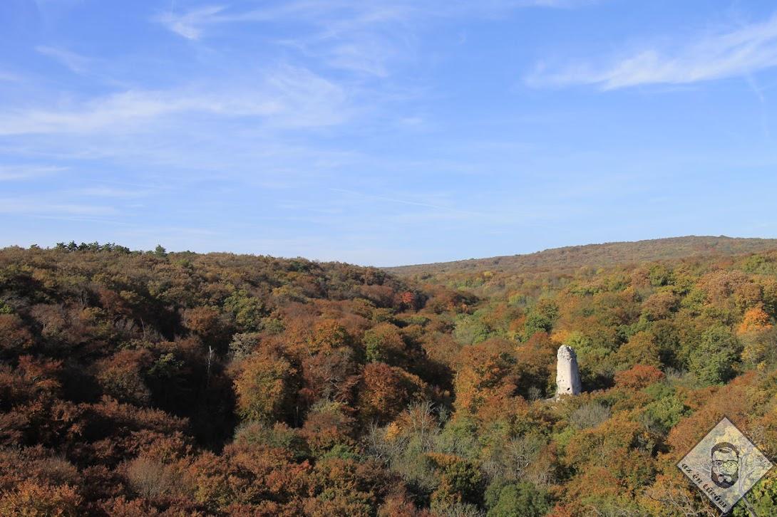 KÉP / Bátorkő és az őszi Bakony
