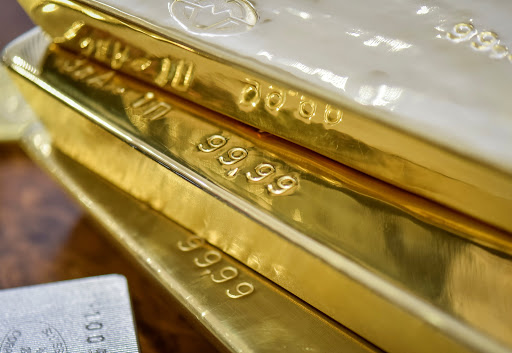 Weak US data lifts gold as traders' attention turns to US jobs report