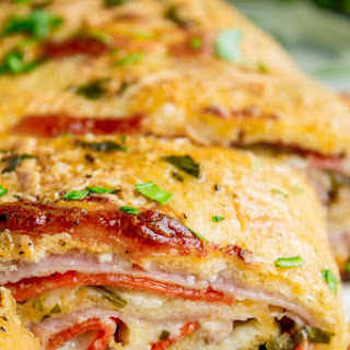 Classic Stromboli Recipe (Easy Dinner or Quick Appetizer!).