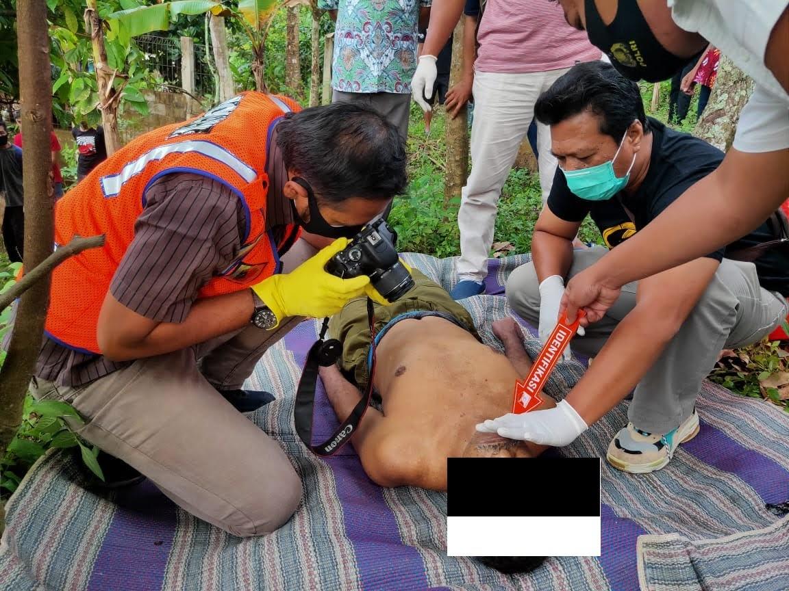 Seorang Warga Pulung Ditemukan Gantung Diri Di Pohon Alpukat