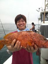 Photo: 松本さんに「キジハタ」! これも晩飯に? だめ?