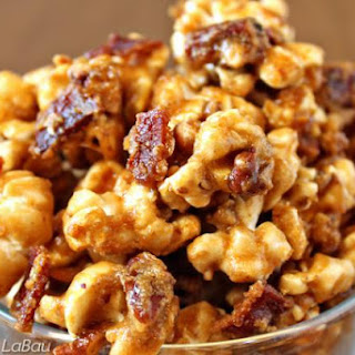 Sweet and Salty Bacon Caramel Popcorn