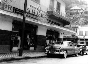 Photo: A Musical. Provavelmente foto da década de 50 ou 60