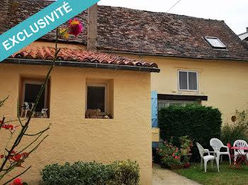 maison à Saint-Savin (86)