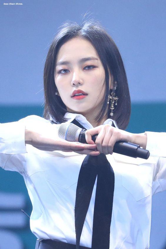 yeeun suit 16