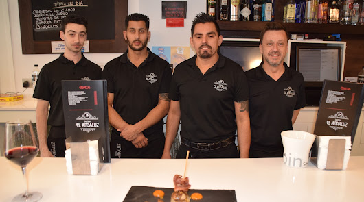 Bocados exquisitos: Nuestra Tierra y Foody Allen triunfan en De Tapas por Almería