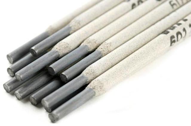 Que hàn sử dụng để kẹp kìm hàn