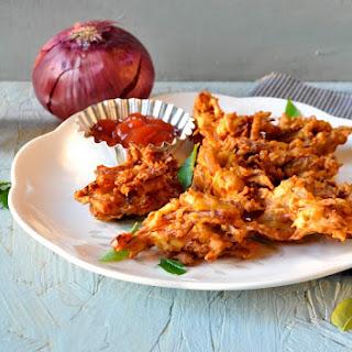 Ulli Vada/ Onion Pakora/ Onion fritters