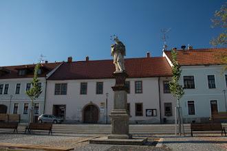 Photo: Przejazd do miejscowości Velká Bíteš poszedł mi całkiem sprawnie. Odwiedzam na chwilę rynek w poszukiwaniu ogólnodostępnego wodopoju bo skończyła mi się już woda.