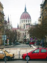 Photo: Parlament od strony Placu Wolności (Szabadság tér) - pastelowo