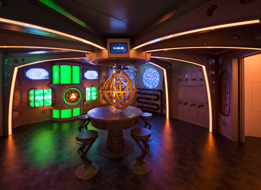 Harmony-of-the-Seas-Adv-Ocean-Puzzle-Break.jpg - Head to Puzzle Break in Adventure Ocean for you and your kids to tackle a high-tech escape room on Harmony of the Seas.