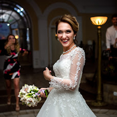 Wedding photographer Viktoriya Smelkova (FotoFairy). Photo of 04.07.2018
