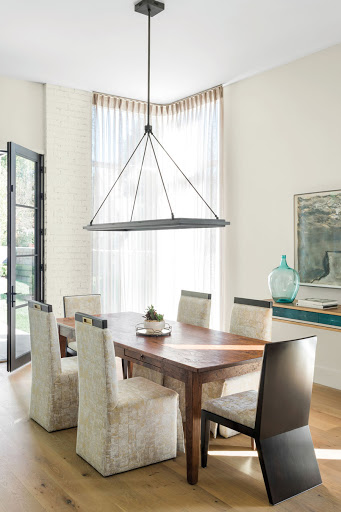 Historic references and a modern sensibility influence this Midtown home