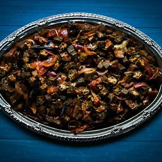 Vendaikai Puli Kootu / Okra in tamarind gravy