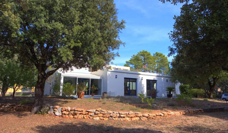 Maison avec terrasse Régusse