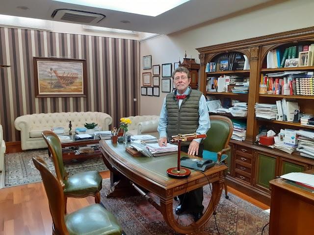 Juan Ronda en su despacho.