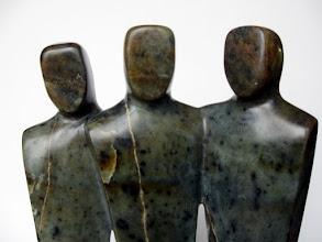 Photo: VENDUE - Les Copains d'abord - Stéatite Dimensions (cm)  28 x 20 x 8