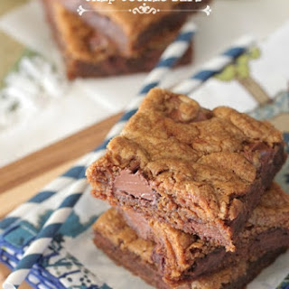 Brown Butter Gingersnap Chocolate Chip Cookie Bars | Christmas Cookies