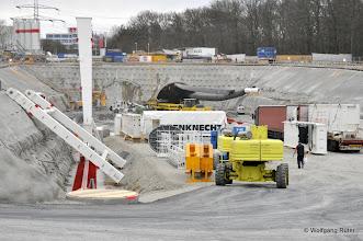 Photo: Ein montiertes und ein liegendes Brunnhuber-Kranportal