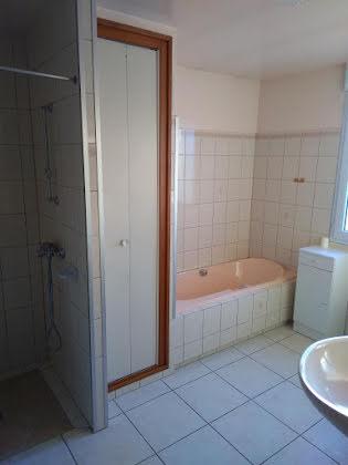 Location maison 4 pièces 102 m2