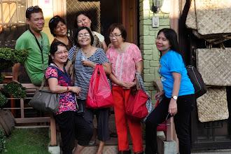 Photo: Shopping for pasalubong...
