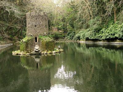 Lago no Palácio da Pena