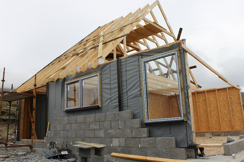 Dom szkieletowy - budowa ścian - ocieplanie