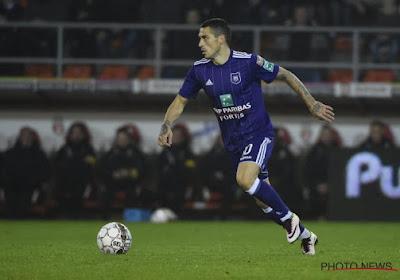 🎥 Anderlecht-flop zet zijn ploeg met prinsheerlijke assist op weg naar Europese kwalificatie tegen Leicester City