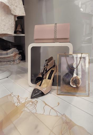 Jeanne PAPA aquarelles_jeux de dames 2019_vitrine Cario _04