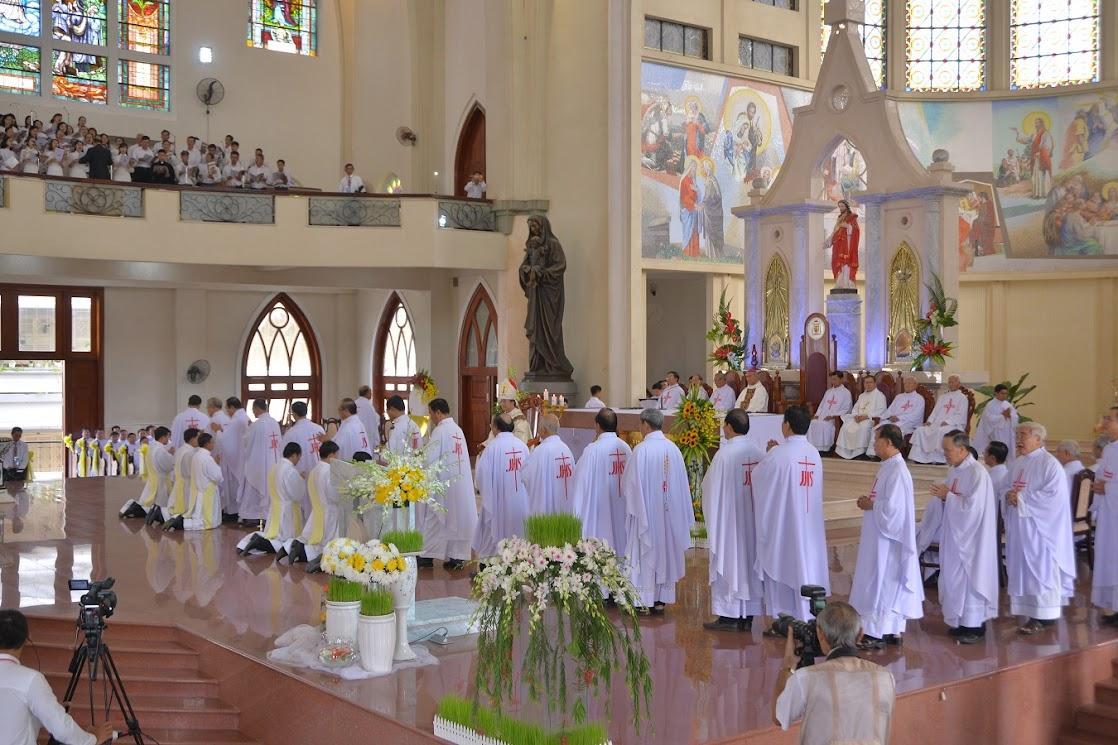 Thánh Lễ Truyền Chức Linh Mục Giáo Phận Phú Cường : Là Kitô Khác Chứ Không Phải Khác Kitô - Ảnh minh hoạ 13