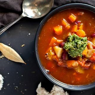 Easy Italian Minestrone Soup.