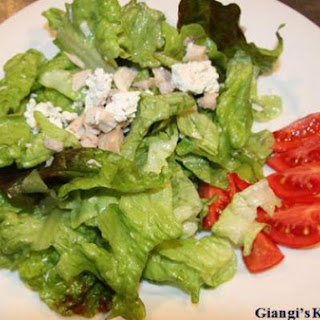 Chicken Salad with crumbled Herbs Goat Cheese