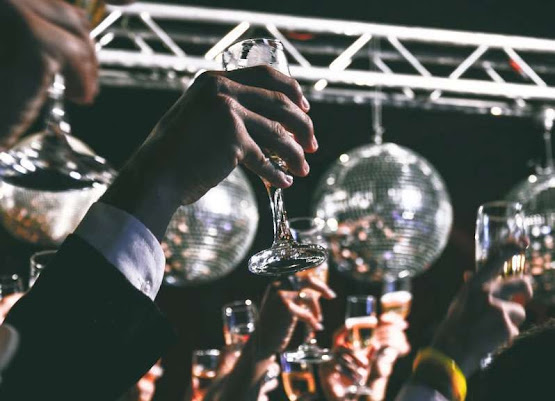 New Year Eve DJ For Hire In London | Platinum Disco