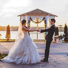 Wedding photographer Vyacheslav Barakhtenko (Fotobars). Photo of 27.11.2014