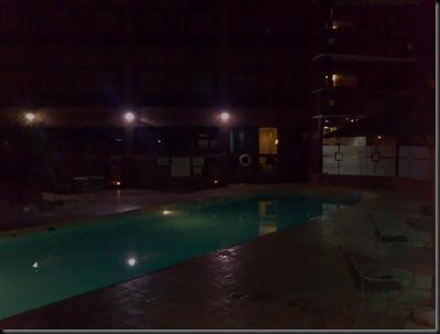 A foto não faz jus à categoria da piscina