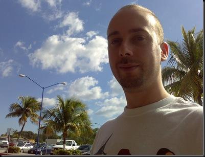 Isto é só palmeiras por todo o lado! Até parece que estou nos trópicos.