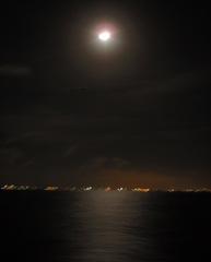 México no horizonte e o luar reflectido no mar... parece uma pintura!