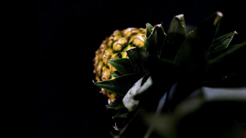 Pineapple shadow di Nerobambù by Antonio Venditti