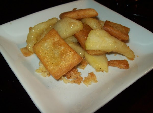 Plate by layering apples & pie crust chips, then top with favorite Vanilla ice...