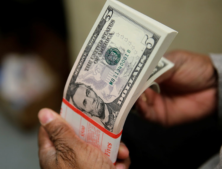 Zimbabwe To Allow Us Dollar Cash Withdrawals From Some Accounts