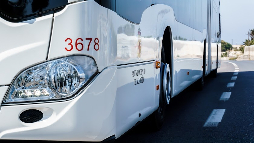 Autobús del servicio municipal de transporte colectivo de viajeros